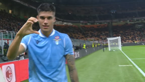 Joaquín Correa gives Lazio late lead vs. Milan