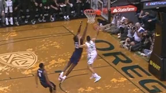 Oregon's Duarte gets stuffed on dunk attempt