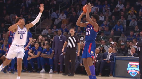 Alley-oop, 3-ball extend Kansas lead