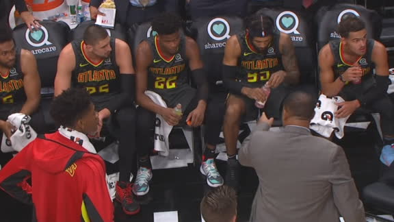 Hawks assistant throws chair during huddle