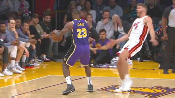 LeBron powers past Leonard for dunk