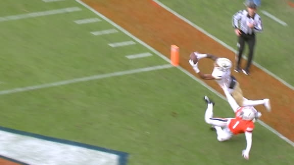 Georgia Tech's Carter makes acrobatic grab in end zone