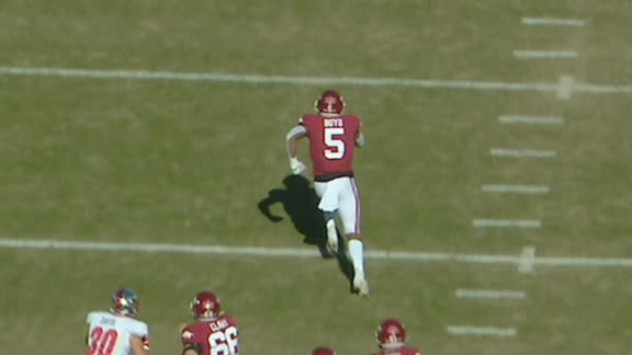 Arkansas's Boyd takes off for 76-yard TD