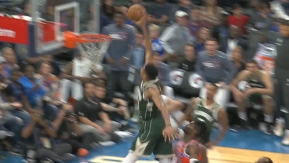 Giannis throws down unbelievable jam on the break