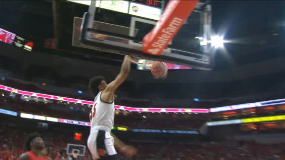 Nwora throws down back-to-back dunks