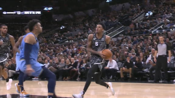 Murray hangs in air for basket through contact