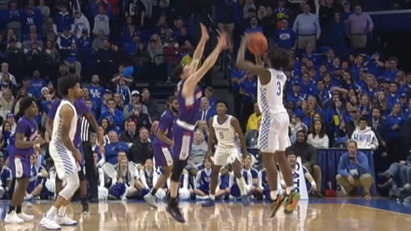 Kentucky taken down after Maxey's 3-pointer falls short