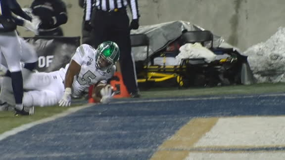 Eastern Michigan RB lunges forward for the TD