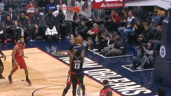 Paul George makes first shot as a Clipper
