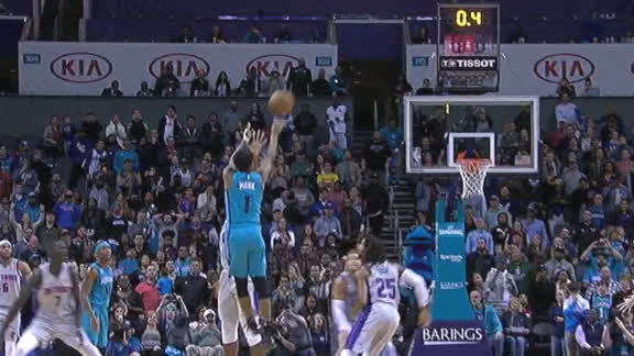 Monk wins it for the Hornets with a buzzer-beating 3