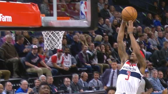 Beal soars for the transition slam