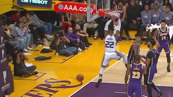 Holmes dunks over Kuzma