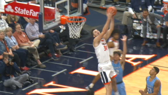 Clark finds Huff for reverse dunk