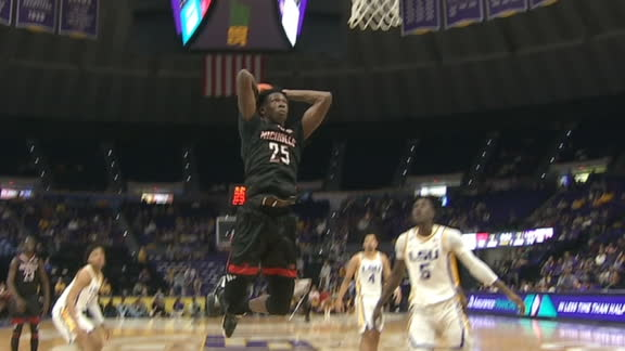 Nicholls' Jones throws down two-handed stuff
