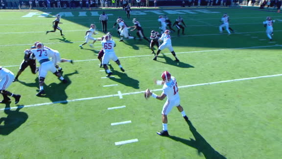 Tua connects with Harris for 19-yard TD