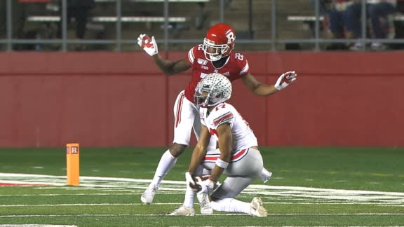 Olave hauls in incredible catch with his legs