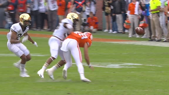 Clemson botches punt