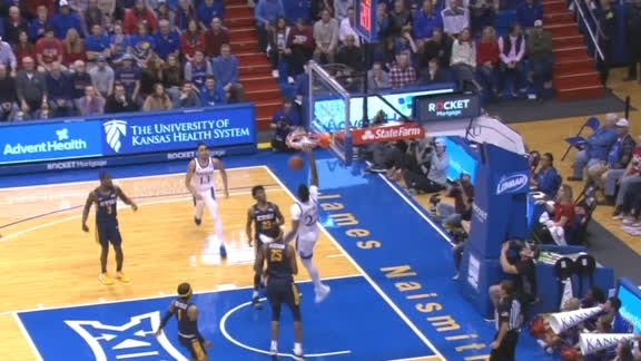 Dotson lobs to De Sousa for the alley-oop