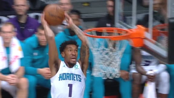 Malik Monk makes 2-foot alley oop dunk shot (Nicolas Batum assists)