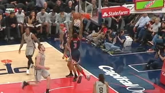 Beal goes backdoor to throw down a dunk