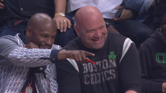 Money Mayweather, Dana White chill courtside