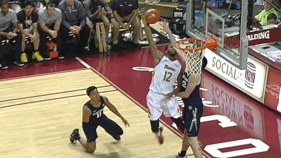 Towson's Gray drops Moore and posterizes Freemantle