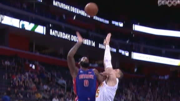 Drummond's lay-in caps 20-0 Pistons run