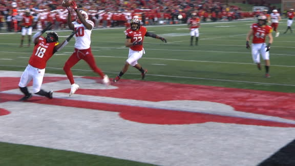 Nebraska scores TD after ball deflects off 2 Maryland defenders