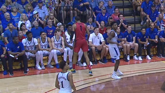 Toppin stares down Kansas bench after hitting 3-pointer