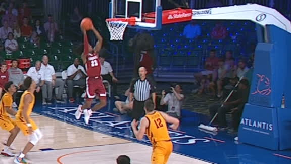 Bama's Petty gets up to finish alley-oop