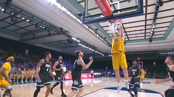 Teske's putback dunk pads Michigan's lead