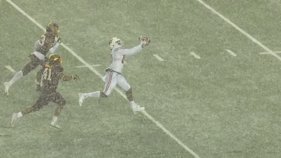 Cephus makes TD grab in snowy conditions