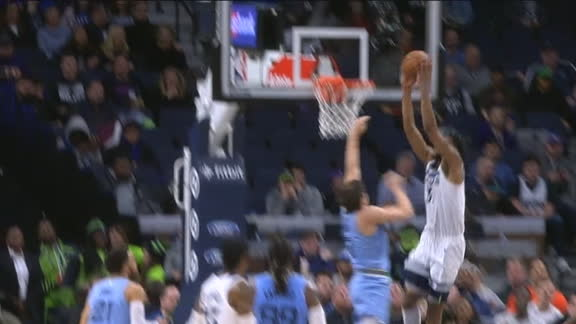 Towns finds Bates-Diop for the slam
