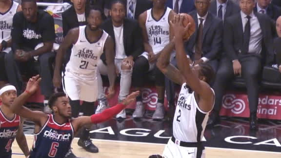 Kawhi spins and knocks down the jumper