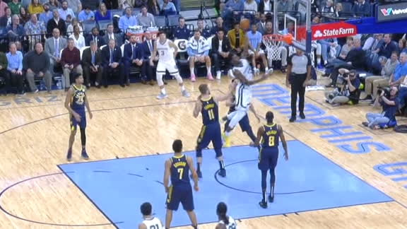 Jackson blows by Sabonis, throws down one-handed jam