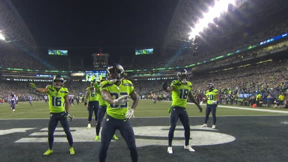 Seahawks bust a move after Moore's 60-yard TD