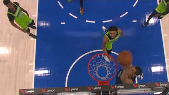 Luka goes up top to Powell for the jam