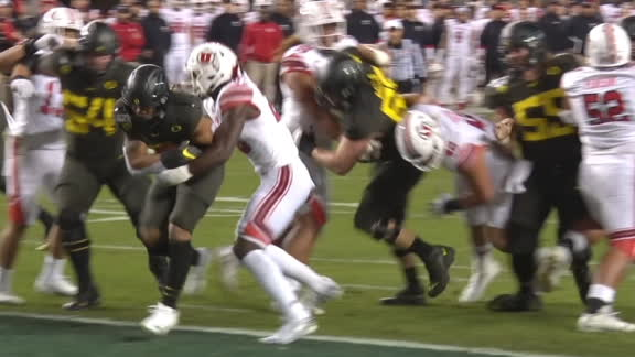 Verdell goes up the middle for Oregon TD