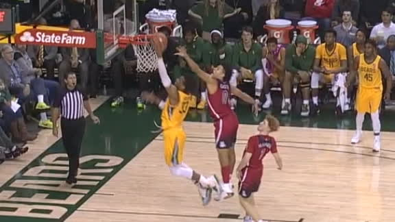 Baylor's Mayer finds Gillespie for a big one-handed jam
