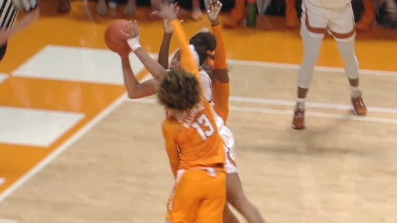 Texas' Underwood uses sweet spin move to score and-1 lay-in