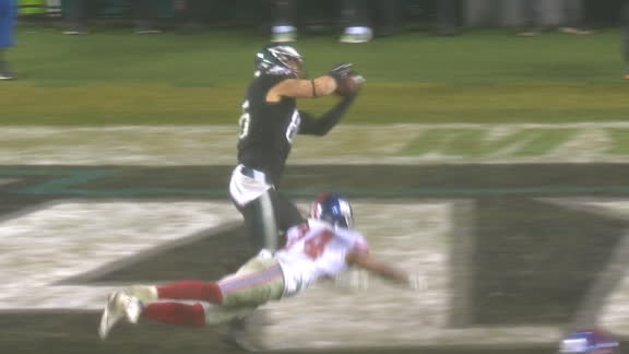 Ertz ties up game with less than two minutes to go