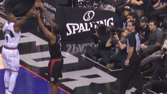 Kawhi buries corner trey over Ibaka