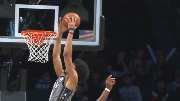 Dinwiddie goes up top to Allen for the slam