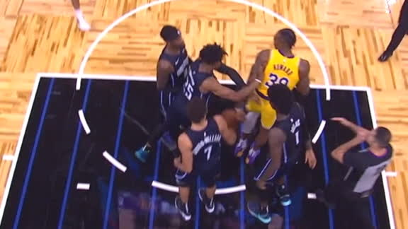 Two ejected after Howard gets into it with Magic players