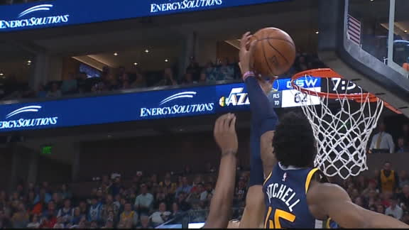Mitchell springboards out of nowhere for putback