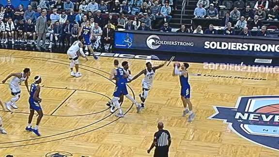 Delaware's Nate Darling shows off his NBA range
