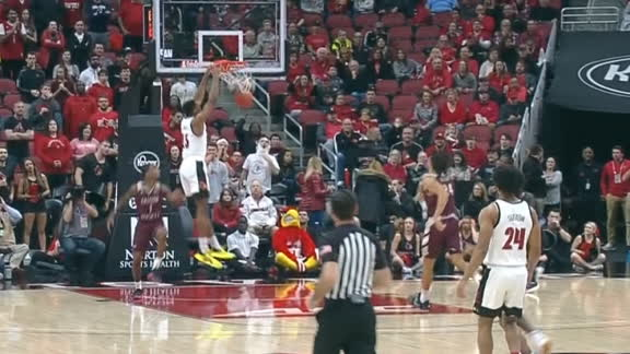 Perry, Enoch connect for half-court alley-oop