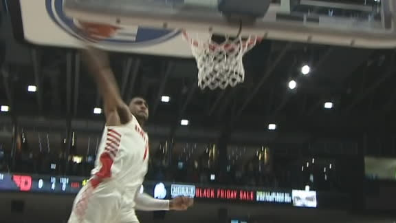 Dayton's Toppin steals and slams