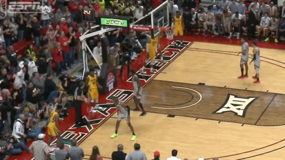 Baylor has all five guys line up out of bounds before inbounds play