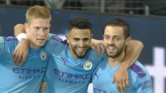 Mahrez doubles Man City's lead over Man United